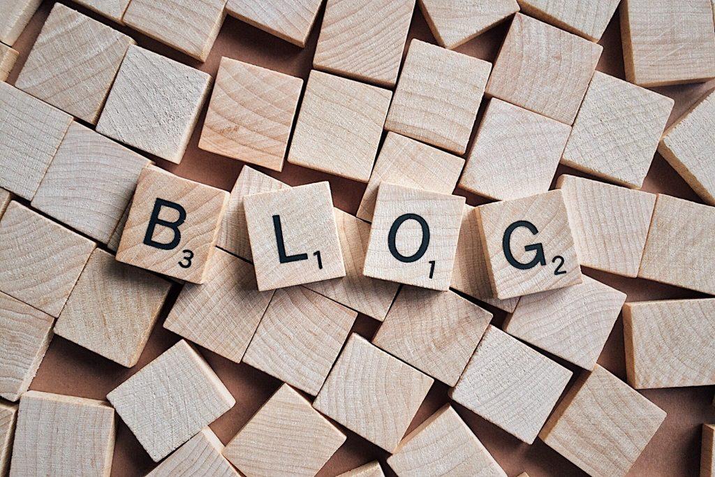 Leren om een artikel te schrijven aan de hand van een blog