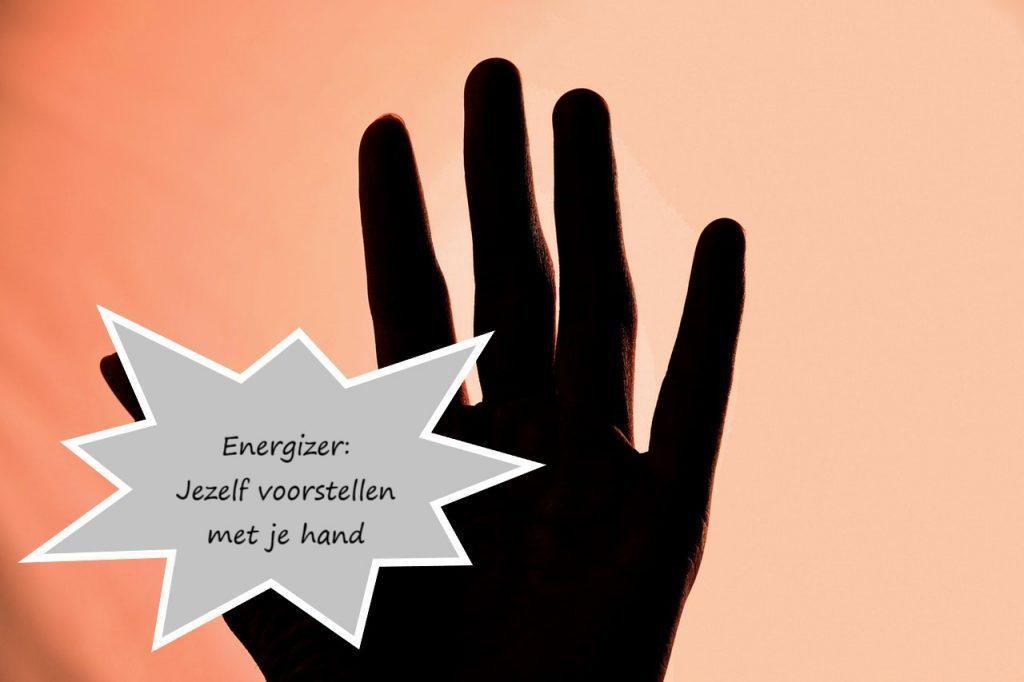 Energizer: Jezelf voorstellen met je hand
